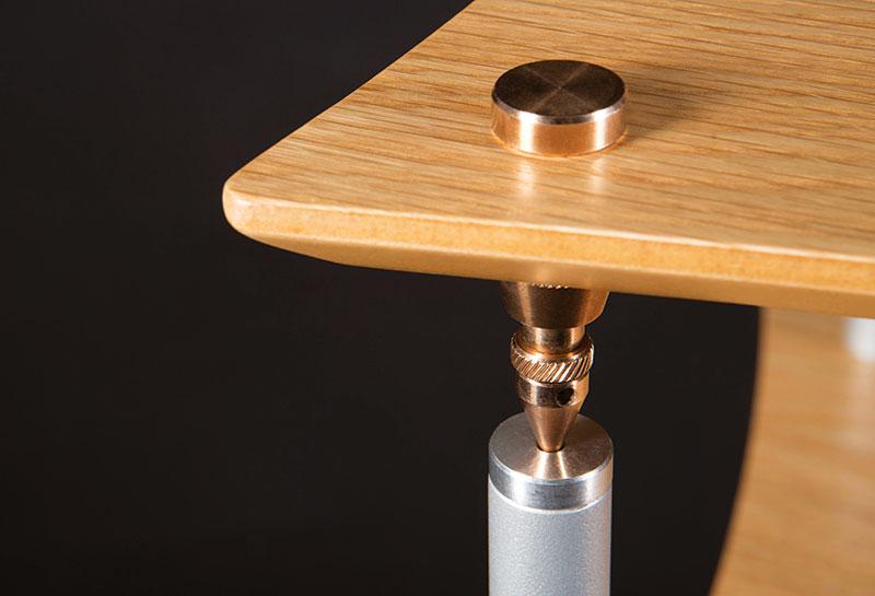 Meuble Q4EVO avec l'option pieds Bronze